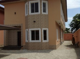 5 bedroom Semi detached house on Fola Osibo