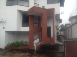 5 bedroom detached house with 2 rooms service quarters for Rent on Akin Ogunlewe