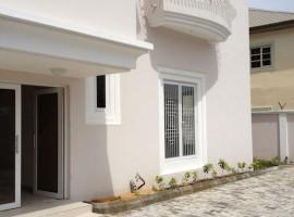 Luxury 3 Bedroom Apartment for rent