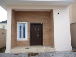 5 bedroom detached house with 2 room service quarters