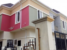 3 Bed Town House in Ikota For 2m Per Annum