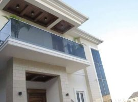 Fully detached 4&5 bedroom duplex
