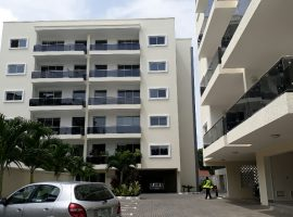 3 bedroom flat with a room bq