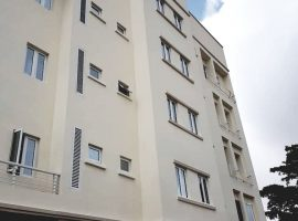 Fully Serviced 3 Bedroom / 2 Bedroom Flats