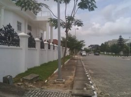 LUXURY FIVE (5) BEDROOM FULLY DETACHED DUPLEX.