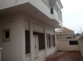 LUXURY BUILT 5 BEDROOM DETACHED DUPLEX