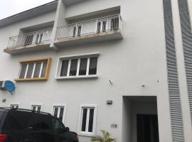 Well Maintained 4 bedroom semi detached duplex