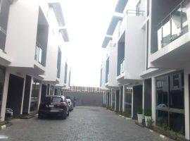Brand New serviced five (5) bedroom Townhouse