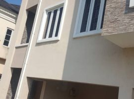 4 UNIT TERRACE OF BEAUTIFULLY BUILT 4 BEDROOM DUPLEX.